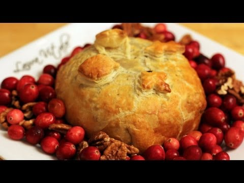 Brie en Croute Recipe – Laura Vitale – Laura in the Kitchen Episode 242