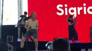Sigrid - Schedules - Live at Coachella 2018 - Weekend 1