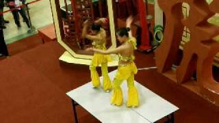 preview picture of video 'Acrobatic Performance - Contortionists'