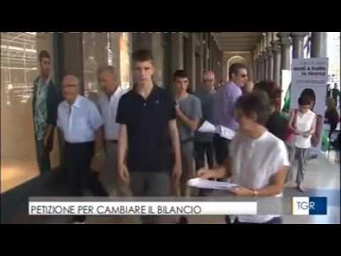 Prosegue la raccolta firme di Cgil Cisl Uil Torino per cambiare il bilancio del Comune