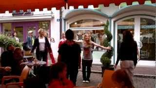 preview picture of video '1. Zumba Flashmob in Bruckmühl am 14.07.2012'