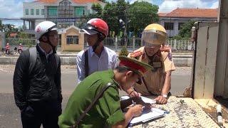 Người trồng hoa tết ở Phú Yên khôi phục sản xuất thiệt hại sau lũ