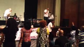 Powerful!! And Anointed! Video of Nu Covenant Singing!