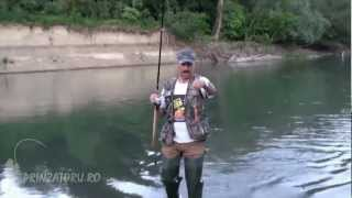 Pescuit de primavara, la rau
