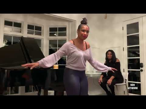 "Jennifer Hudson Sings Aretha Franklin's ""Aint No Way"""
