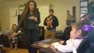 Jordin Sparks sings Team Umizoomi to Viviana