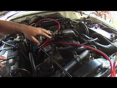 Der Motor issudsu 3.2 Benzin