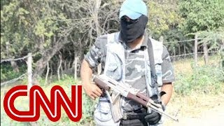 Vigilantes clash with Mexican cartels
