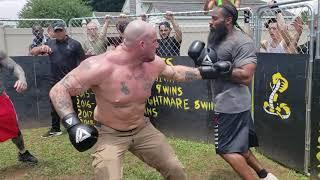 WHITE KKK MEMBER VS BLACK CRIP MEMBER BOXING KNOCKOUT!!!!