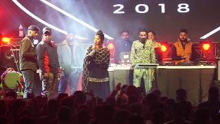 Jasmine Sandlas Confirmed Breakup With Garry Sandhu | Jasmine Showed Middle Finger | Live Show