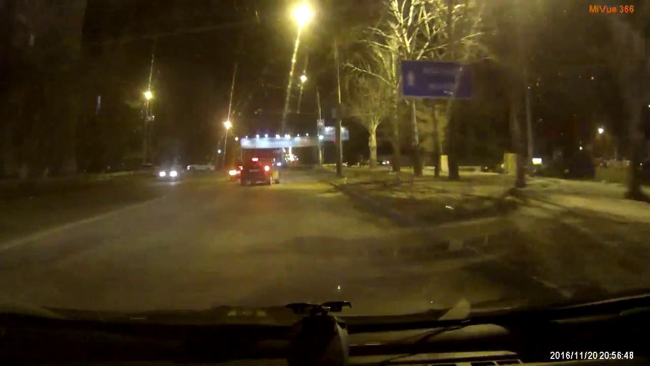 Сильно близорукий водитель Кашкая и отбойник