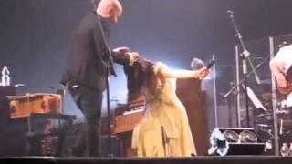 Elisa E Giuliano Sangiorgi   Basta Così E Ti Vorrei Sollevare Live @ Gran Teatro Roma 7 Maggio 2011