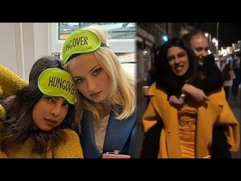 Priyanka Chopra and Sophie Turner TROLL Jonas Brothers With Hilarious Name (видео)