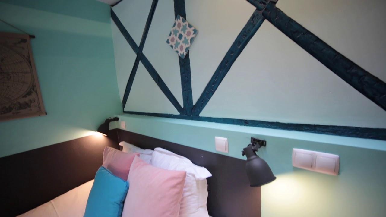 Bright studio apartment for rent close to Carmo Convent in Arroios