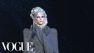 Fashion Show - John Galliano: Fall 2009 Ready-to-Wear