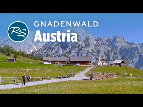 Walderalm: A Charming Little Farm Tucked in the Alps
