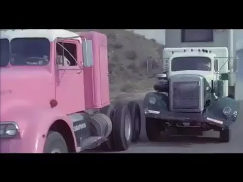 Download White WC-24 Chases Kenworth 524 HD Mp4 3GP Video and MP3