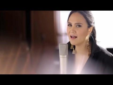 Bài hát Thanh Bùi hát cùng người nước ngoài hay không thể nào diễn tả :X