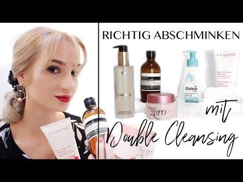 Die Kosmetik für die Abtragung der Pigmentflecke auf der Person
