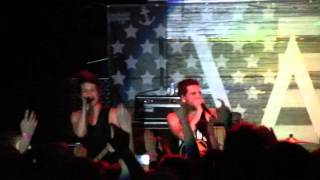 Abandon All Ships - Intro and Geeving Live