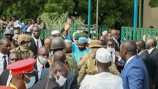 Mali : le président de la transition, le colonel Assimi Goïta, visé par une attaque au couteau