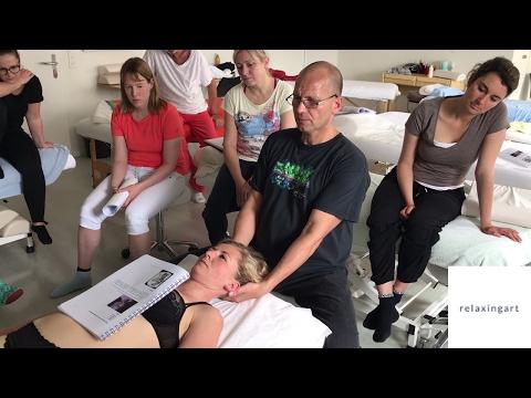 Als Bänderriss im Kniegelenk zu behandeln