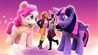 Май литл пони: Москва для детей! Подружка Настя, Искорка (little pony) и НОВОГОДНЕЕ ШОУ!