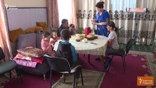 В Астане многодетная семья просит ускорить очередь на жилье