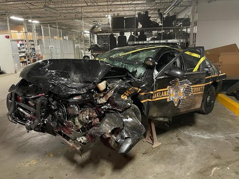 Oakland County deputy seriously injured in crash