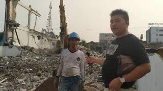 Pembongkaran Gedung 3 Lantai Di Ciledug Tangerang
