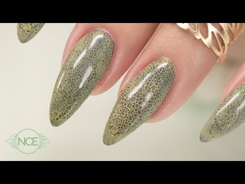Snake Skin Effect - Bubble Nails