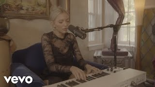 Lennon Stella - Fear Of Being Alone (Acoustic Video)