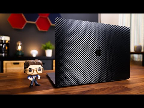 How to apply a Dbrand skin to your Macbook (Pro) | Instructions
