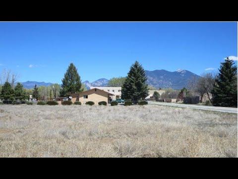 516 Apache Street, Taos NM 87571
