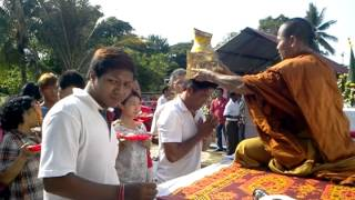 preview picture of video 'Wat wai kru bang phra Malaysia jitra 2013April 5'