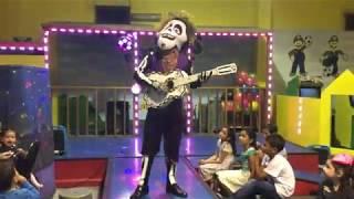 Show Disney Kids  Hector Y Ricky Miguel Show De Coco