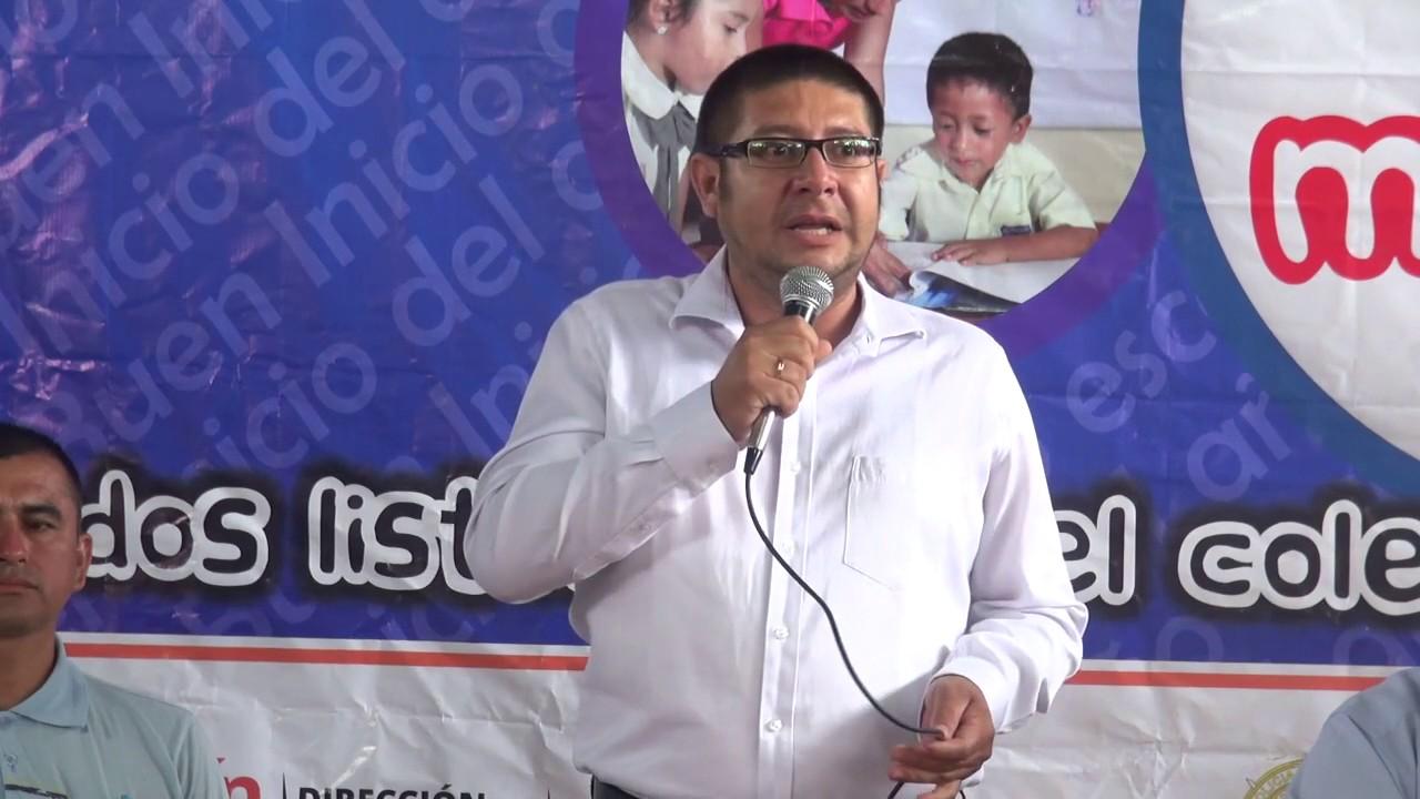 Gobierno Regional de San Martin entrega mobiliario escolar a colegios rurales.
