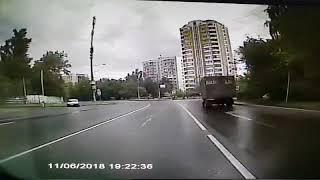 ДТП на 50-летия Октября в Солнцево с автобусом 32. Момент столкновения