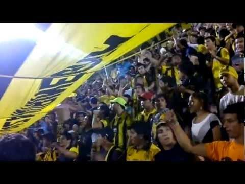 """""""LA RAZA AURINEGRA - ALENTANDO perdiendo 2 a 0"""" Barra: La Raza Aurinegra • Club: Guaraní de Asunción"""