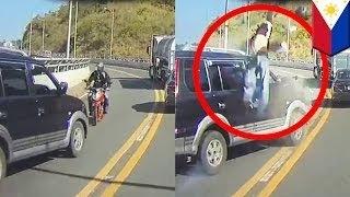 Мотоциклист чудом остался в живых после кувырка в воздухе