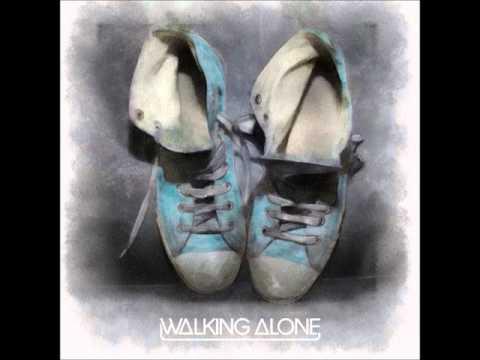 Música Walking Alone