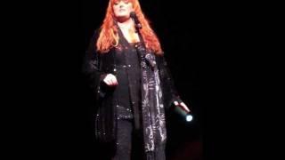 WYNONNA JUDD singing BURNIN' LOVE 11/6/2011 NORTHRIDGE, CA