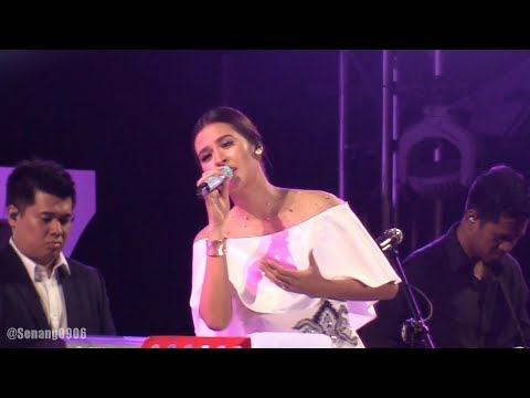 Raisa - Keep Being You @ Prambanan Jazz 2017 [HD] - Senang0906