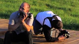 Фотограф работает, видеограф отдыхает.