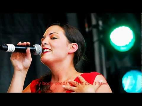 Caro Emerald-I know that he's mine LYRICS ON THE SCREEN