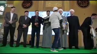 Кыргыз Бала Москва мечитте азан айтат