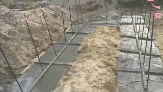Строю дом своими руками в США.  3 часа после заливки бетона.
