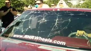 Pipo Sanchez rompe su parabrisas con fuertes bajos