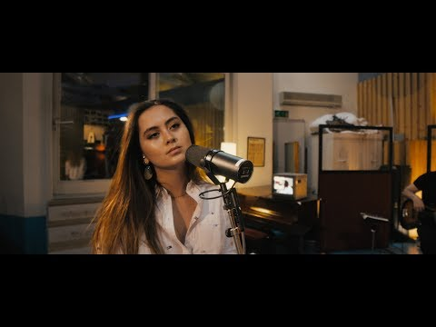 Jasmine Thompson More