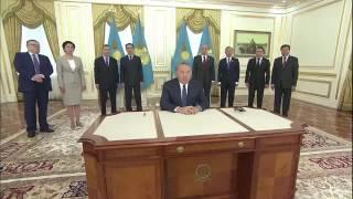 СКАНДАЛ. Назарбаев подписал поправки в конституцию под себя
